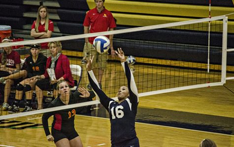 Volleyball Falls to Simpson in Home Opener