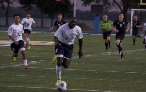 Men and women's soccer open up conference play against Dubuque