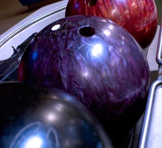 Students enjoy Homecoming bowling event