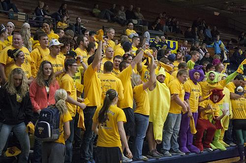 Gold rush night: Beavers go gold