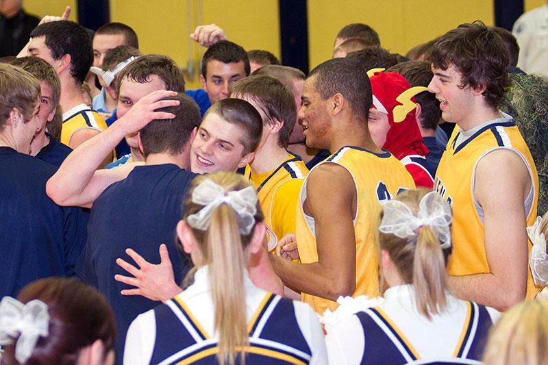 BVU men's basketball team secures conference regular season title