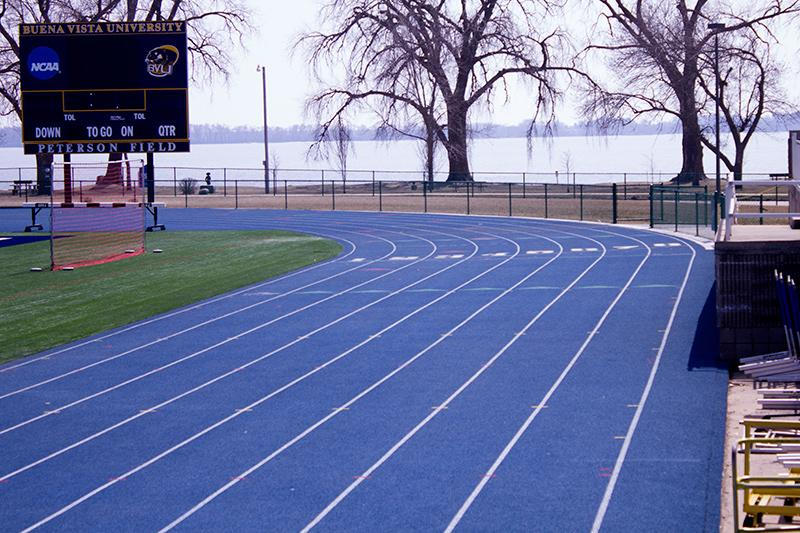 How Indoor And Outdoor Track Differ