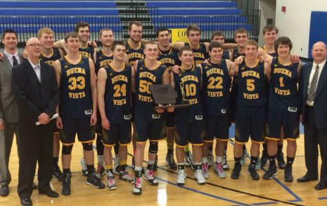 Men's basketball secures IIAC title