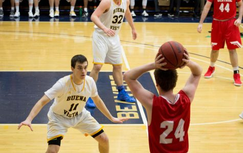 Men's Basketball takes on Central Dutch in first round of Conference tournament