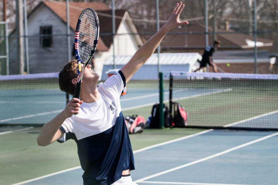 BVU+Men%E2%80%99s+Tennis+team+loses+home+opener+against+Martin+Luther