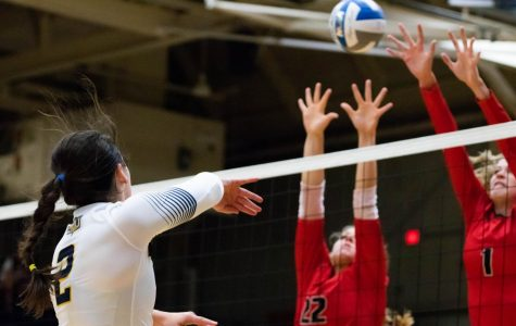 BVU Volleyball Loses Conference Thriller to Central