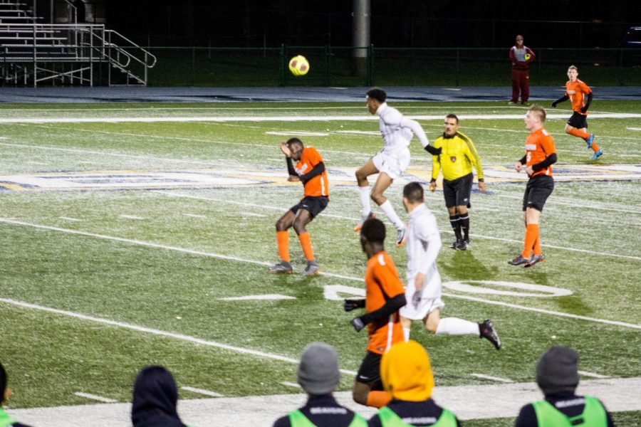 Both Men's and Women's Soccer Teams Fall to Wartburg