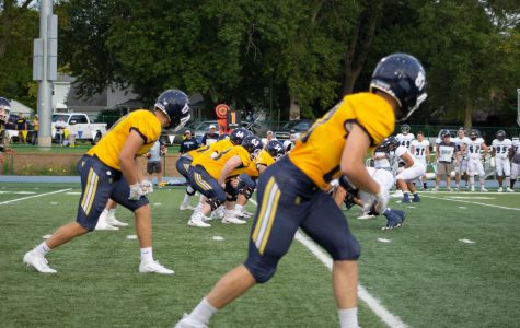 BVU Football Flies Past Hamline, Stuns Concordia-Nebraska with 2-0 Start