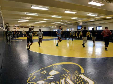 Wrestling Starts 2-2 in Delayed Season