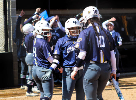 BVU Softball Sweeps at Home